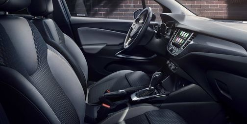 Opel crossland x belső desing Opel Gombos