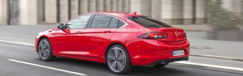 Opel Insignia Grand Sport hátulról
