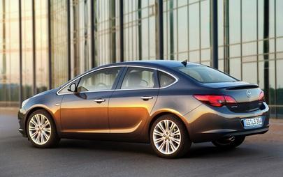 Opel Astra Sedan 4 ajtós 1.4 Turbó benzin 140 Le MT6