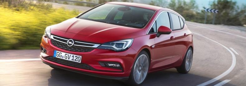 piros Opel Astra K