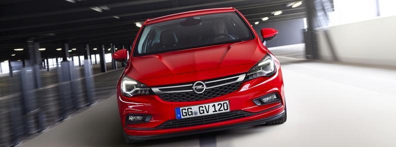 Opel Astra K szemből