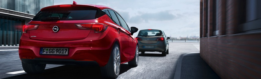 Opel Astra K hátulról